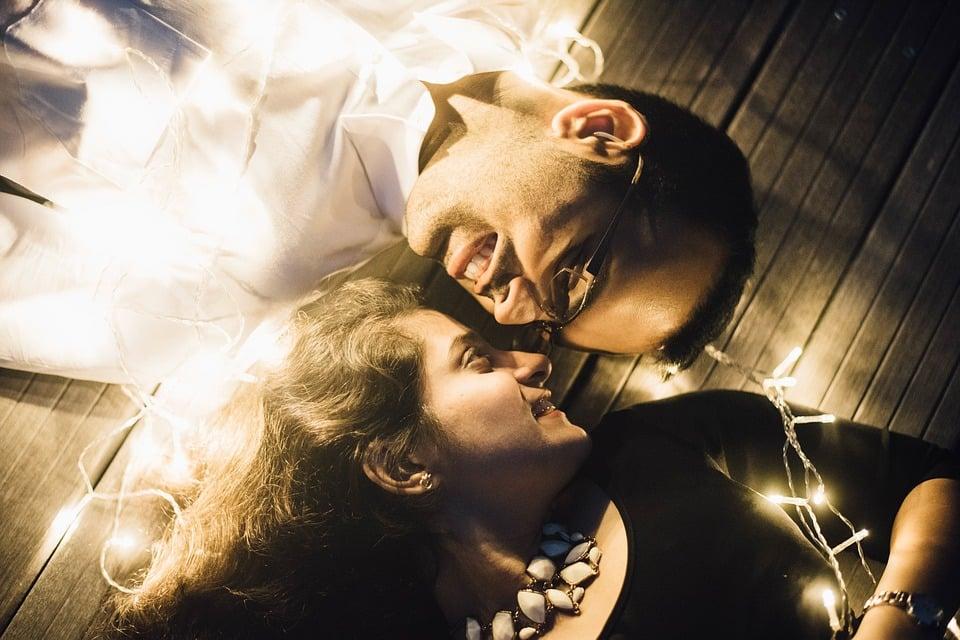 Casal Feliz Depois de Resgatar o Amor