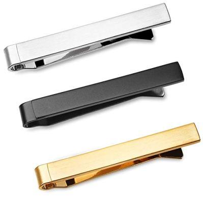cómo usar un clip de corbata