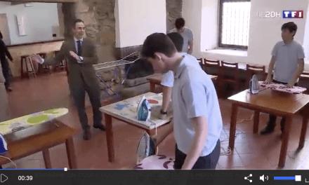 Dans ce collège, les garçons apprennent à assurer les tâches ménagères