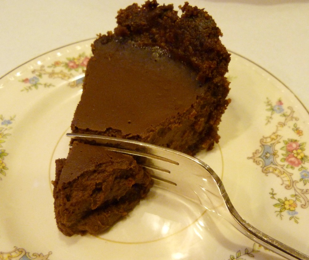 Healthy Chocolate Pie with Pecan Crust