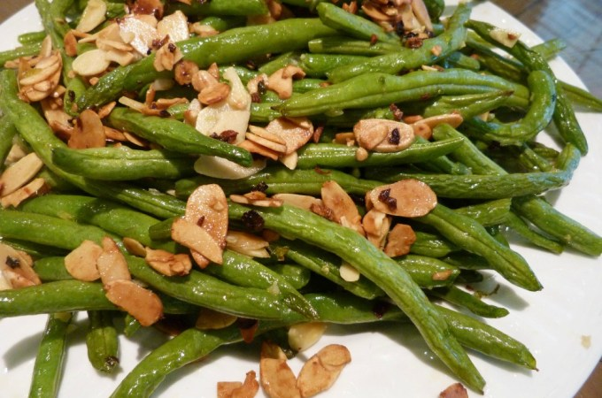 Super Clean Green Beans Almandine
