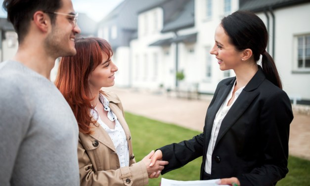4 Reasons to Hire a Lawyer for Your Real Estate Closing