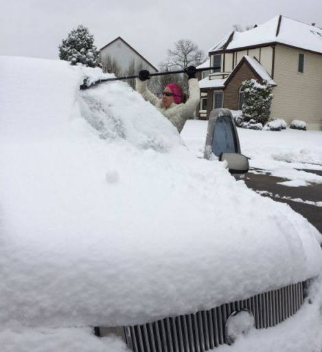 CleaningSnowOffEscalade