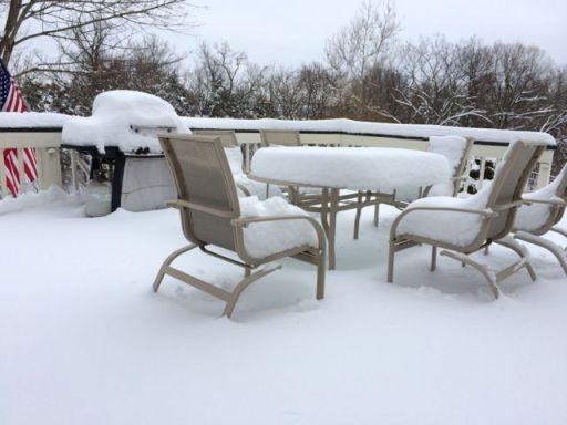 SnowOnGrillTable