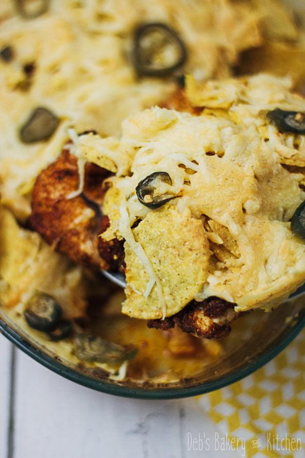 kip met nachos uit de oven
