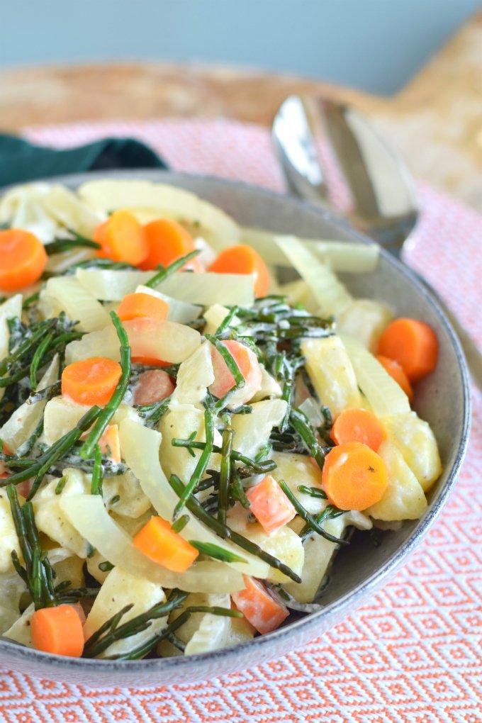 Aardappelsalade-met-zeekraal-wortel-en-venkel