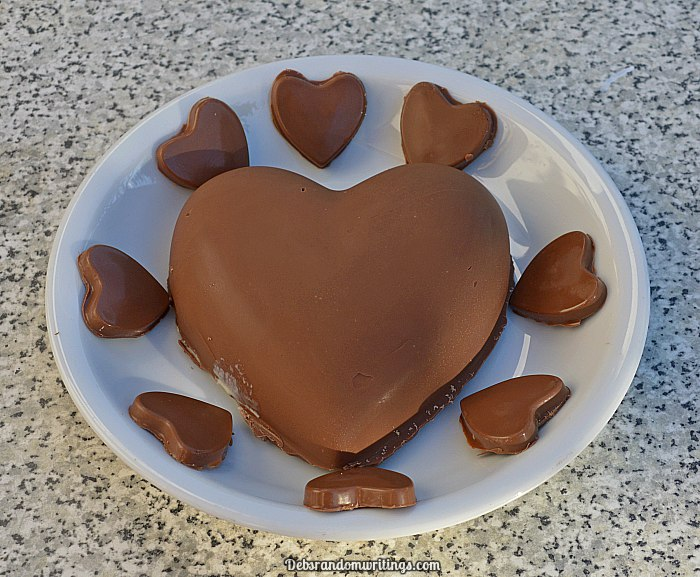 chocolate heart dessert