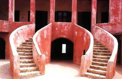 puerta-del-no-retorno-isla-goree