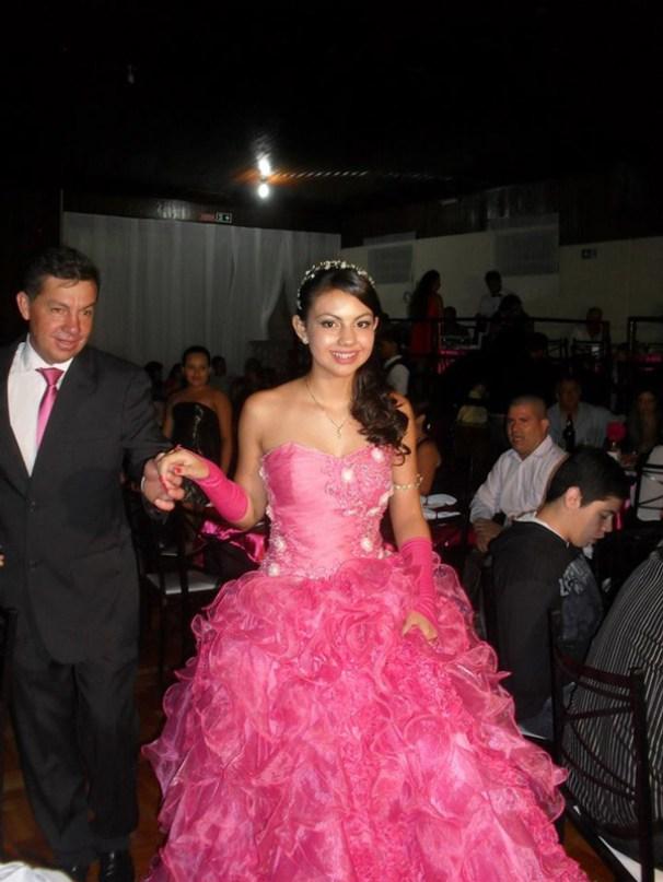 larissa-vieira-rosa-pink-24
