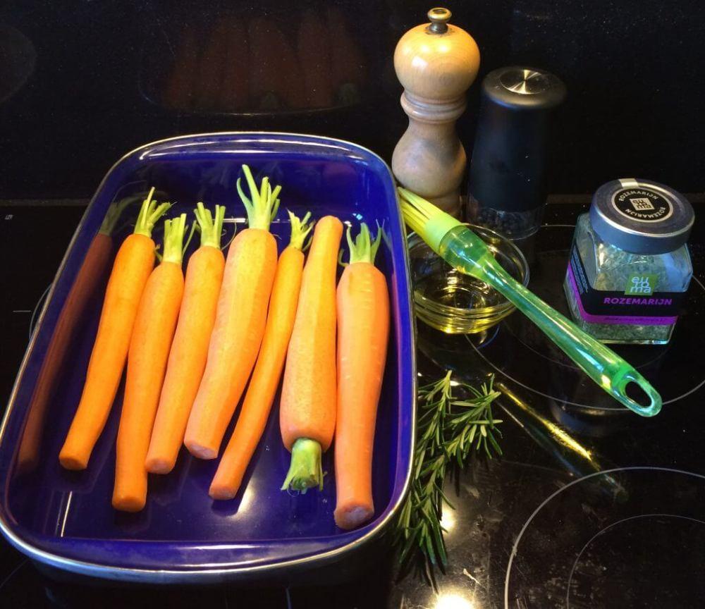 Ingrediënten gegrilde wortel met rozemarijn