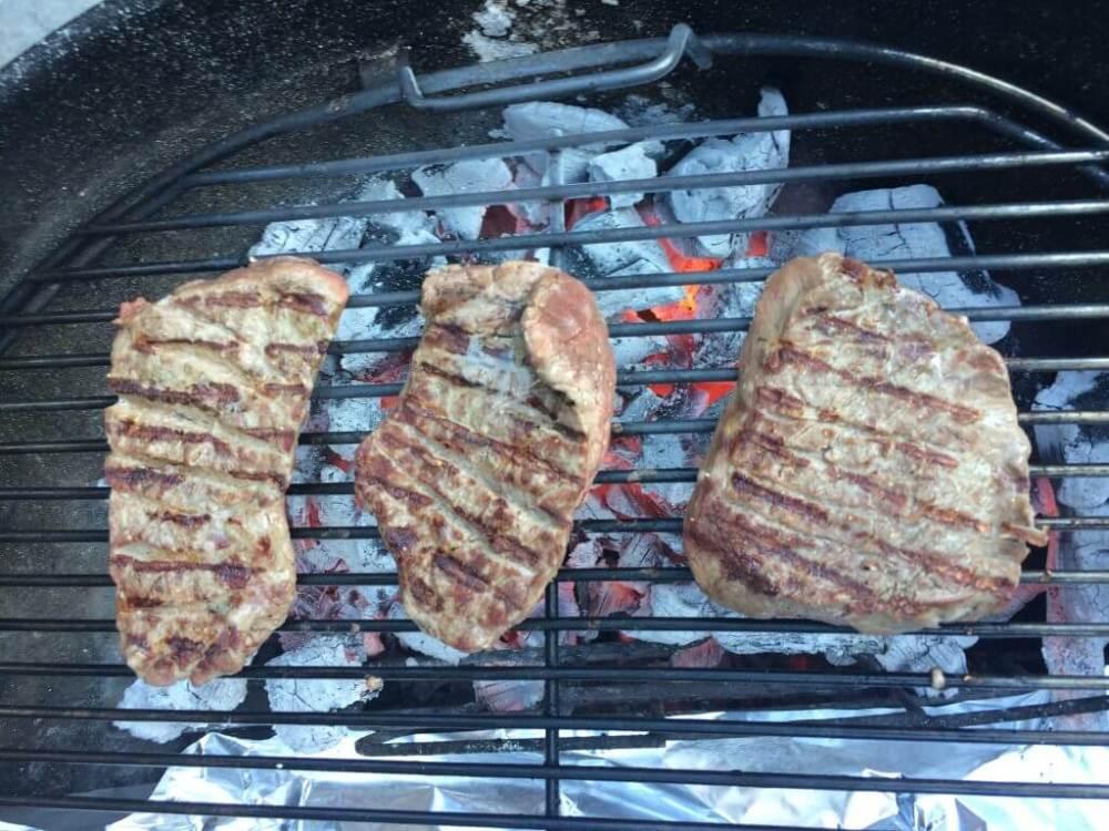 Biefstuk op de barbecue