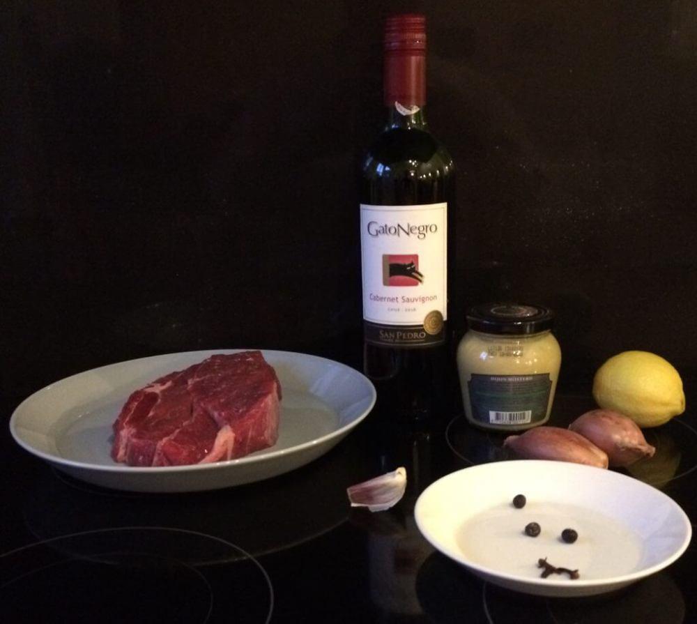 Ingrediënten riblappen - draadjesvlees op de barbecue