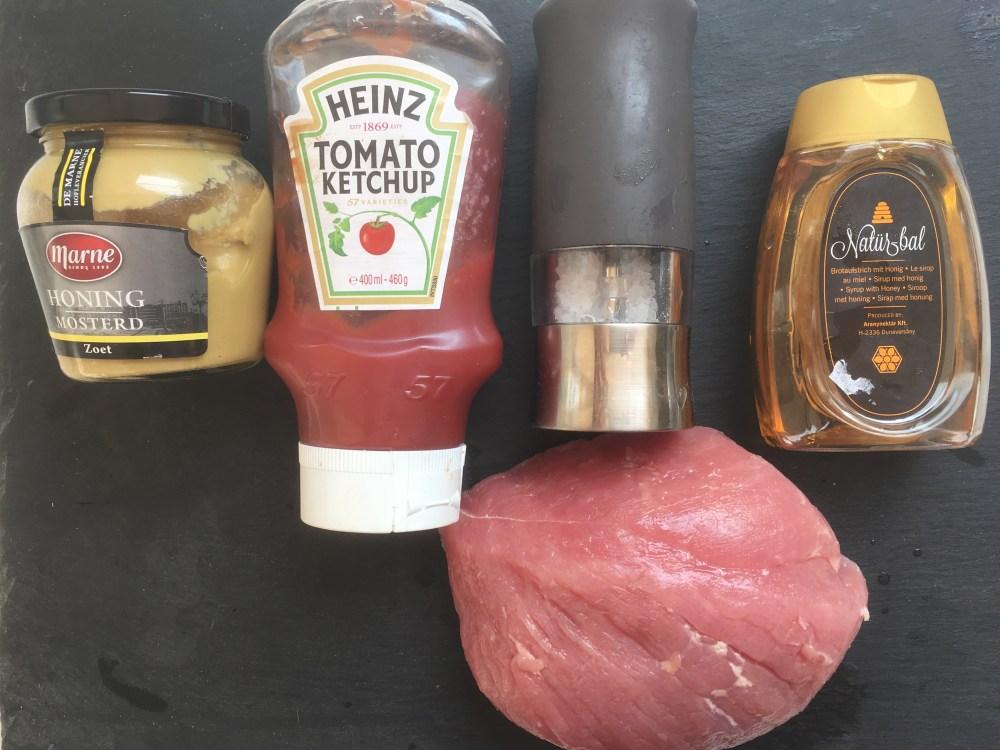 Ingrediënten gerookte beenham simpel op de barbecue