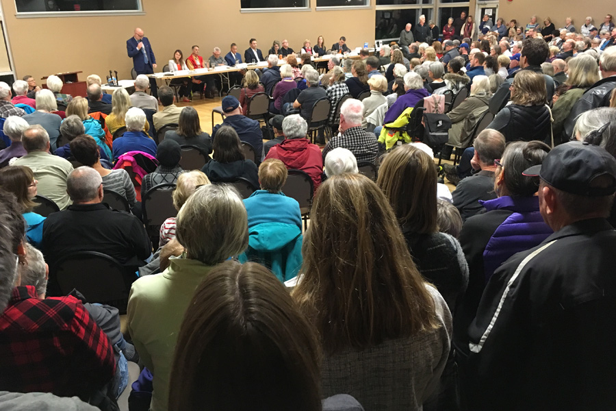 Comox candidates separate on housing, growth issues