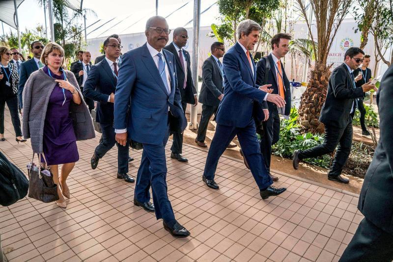 secretary_kerry_and_ambassador_bush_arrive_at_cop22_in_marrakech_30276796984
