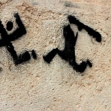 antifa: anti-nazi graffiti