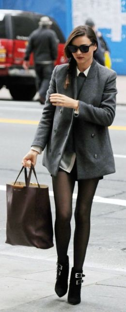 20111115 Photo By Mario Magnani / Bauer & Griffin miranda kerr runs errands in new york city