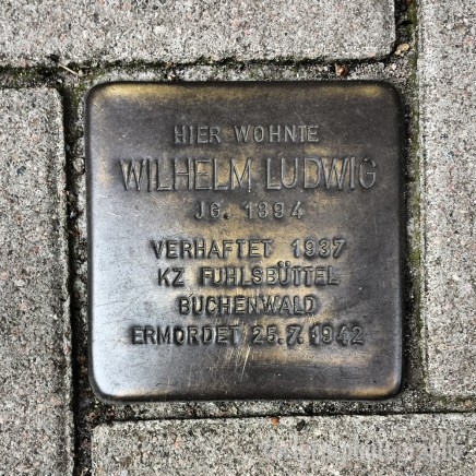 Lived Here Wilhelm Ludwig / Born 1894 / Arrested 1937 / Concentration Camp Fühlsbüttel / Buchenwald / Murdered 25/07/1942 (Camera: Samsung Galaxy S4)