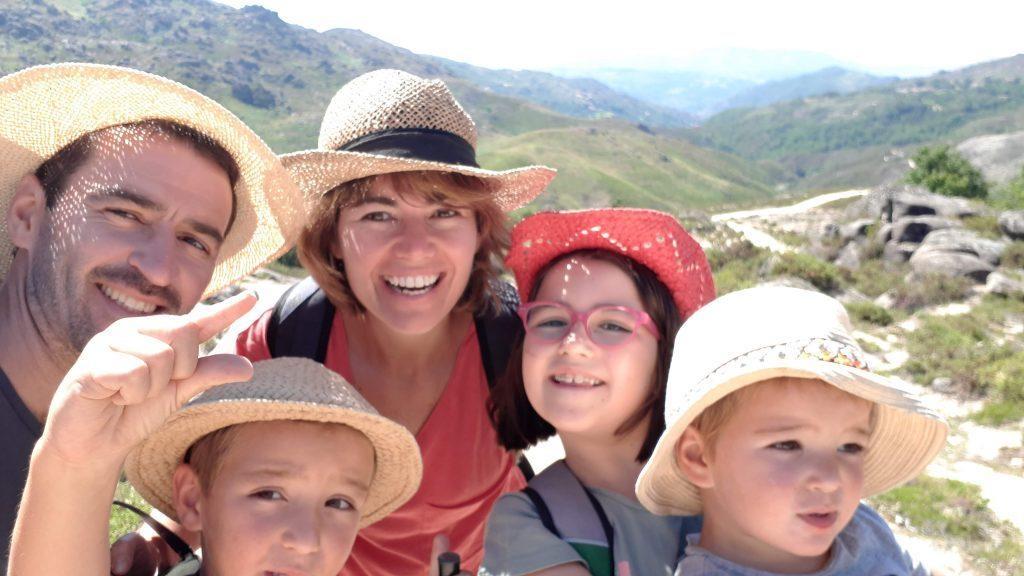 Mi familia feliz en Portugal