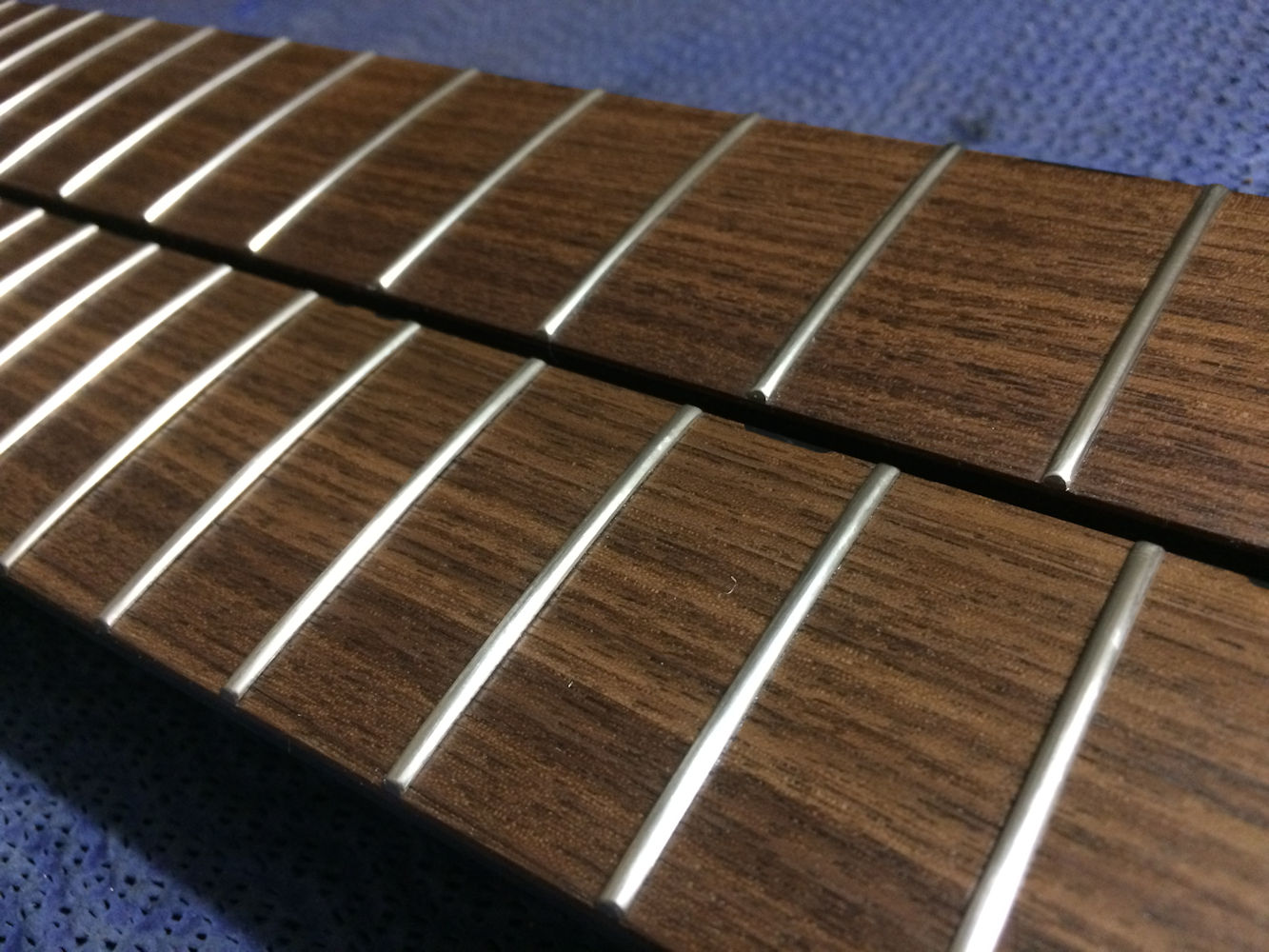 double neck, double frets...