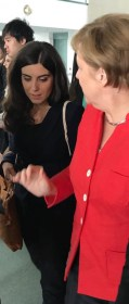 Clara Latini meets Chancellor Angela Merkel