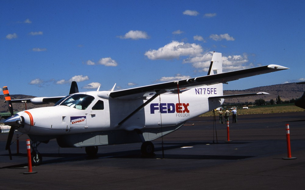 Cessna 208B Caravan N775FE FedEx