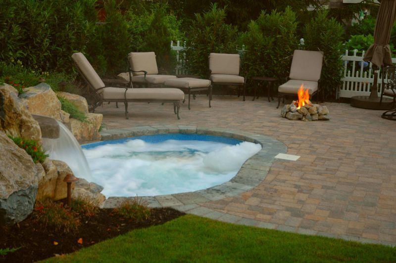 Backyard Natural Retreat Is Splendid in all Seasons  The