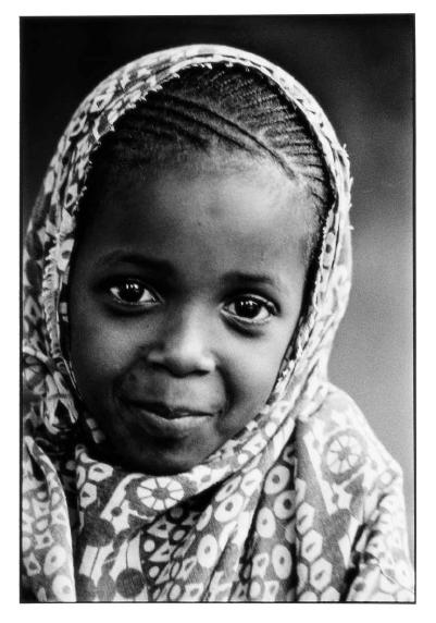 La petite voisine, Sénégal, photographies argentiques, Devals