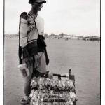 Le marchand ambulant, photographies argentiques, Devals