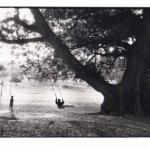 Les balançoires, Mali, noir et blanc argentique, Jean-Pierre Devals
