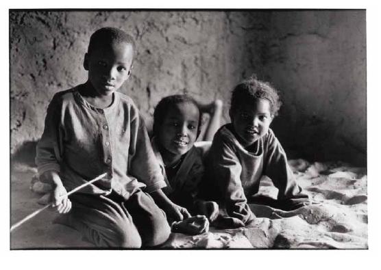 Les enfants chez Youcha, Mali, prise de vue argentique, JP Devals