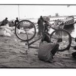 Port de Mopti, Mali, noir et blanc argentique, Jean-Pierre Devals