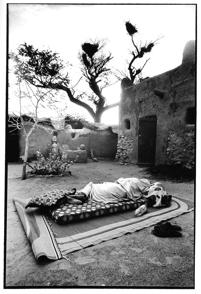 Pointe du jour pays dogon, Mali, noir et blanc, argentique, Devals
