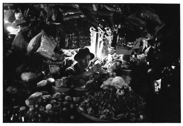 Marchand d'épices, Indonésie, prise de vue argentique, JP Devals