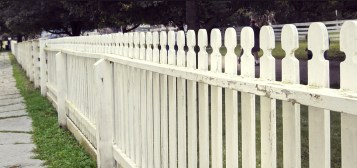 fence-644373_1280