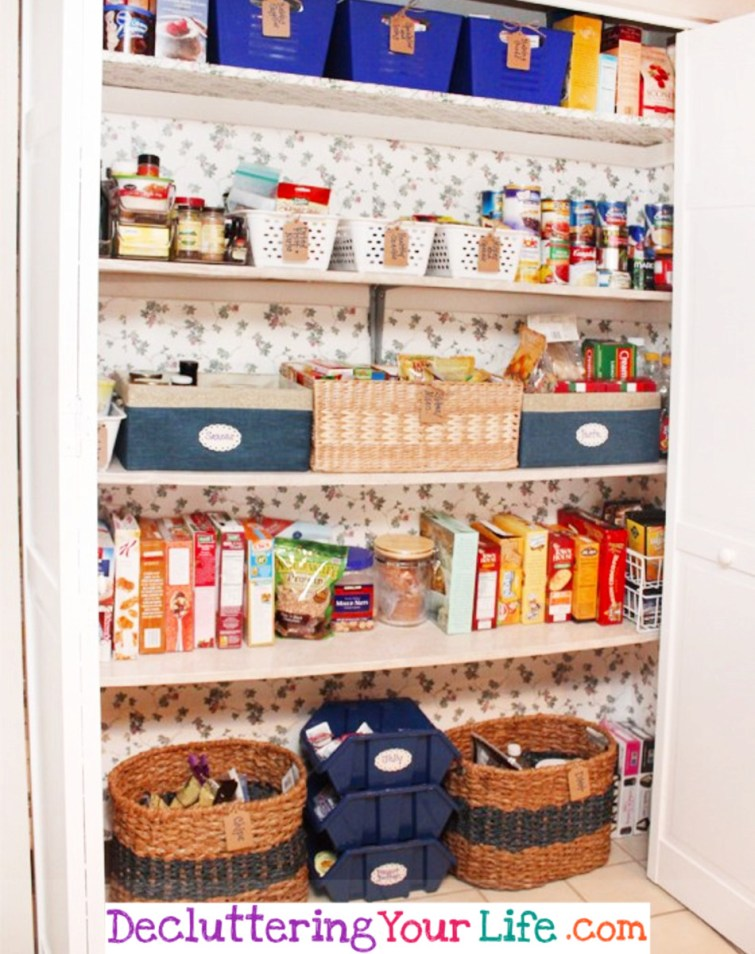 Pantry organizers - #getorganized #gettingorganized #organizationideasforthehome #diyhomedecor #organizingideas #cleaninghacks #lifehacks #diyideas