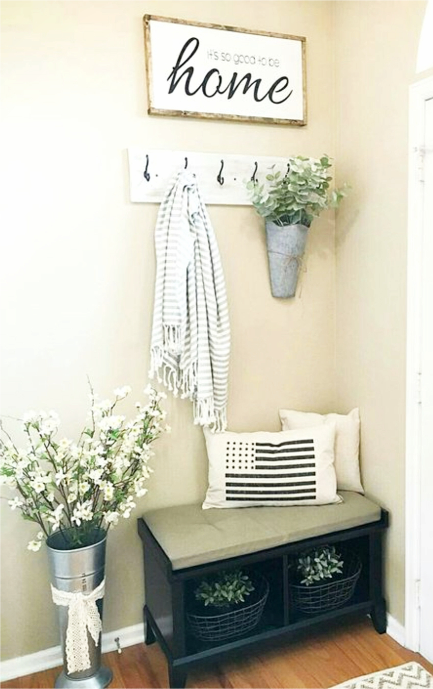 Small Entryways  29 Small Foyer Decor Ideas For Tiny