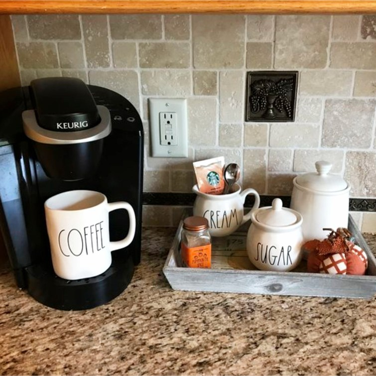 Coffee area in the kitchen?  Yes please!  Love all these kitchen coffee area ideas