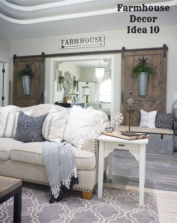 Rustic farmhouse living room decorating idea - Clutter-free Farmhouse Decor Ideas