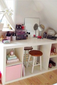 Small Bedroom Storage Hacks - Clever Storage Ideas for ...
