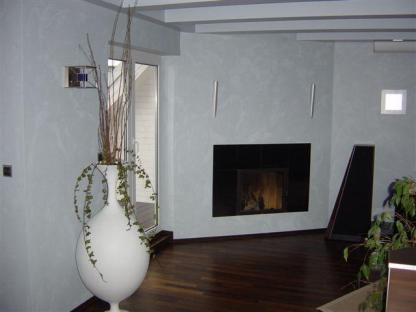 Wohnzimmer mit Designkamin