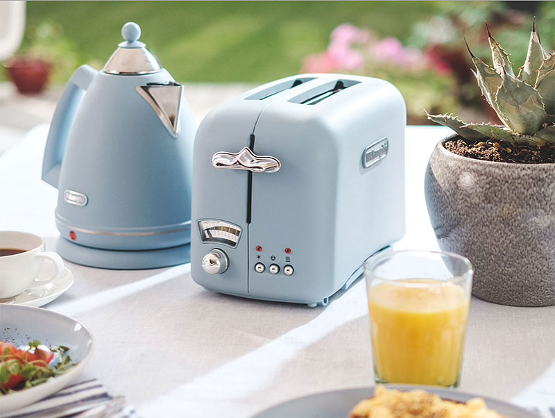 Electrodomésticos: tostadora de estilo retro