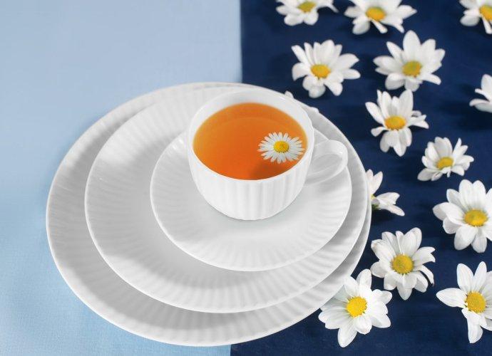 Stokrotka, która pozostanie z Tobą… na zawsze Urok kwiatów utrwalony na porcelanie