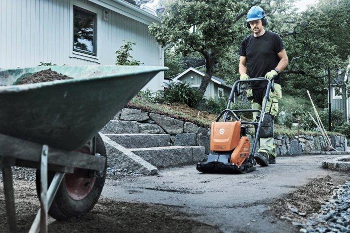 Wzmocnij grunt za pomocą zagęszczarek