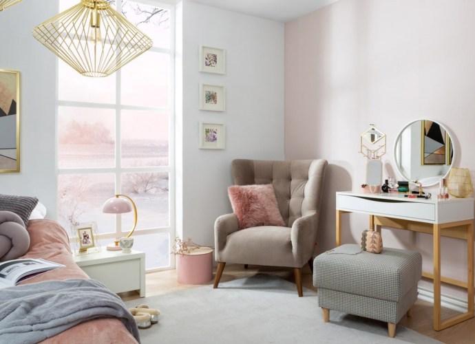 Sypialnia urządzona w kolorze nude