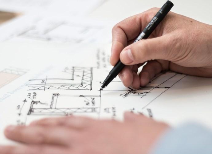 Projekty domów: nowoczesna stodoła, dom na skarpę, domek góralski