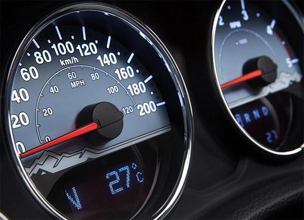 Cuentakilometros manipulado en un coche