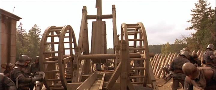 Scène du film Jeanne d'Arc : un trébuchet