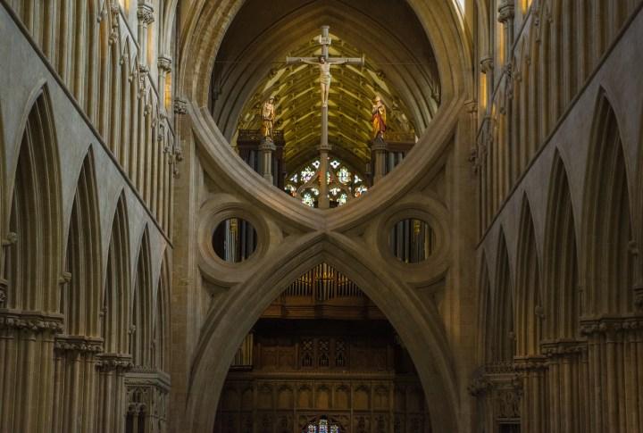 Cathédrale de Wells et son arc inversé
