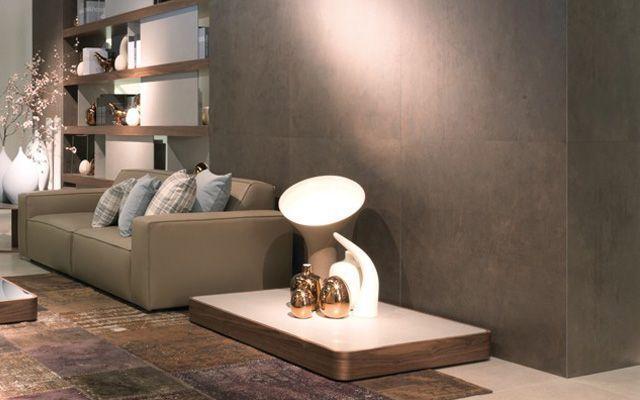 Porselen taşlarla süslenmiş duvarlar